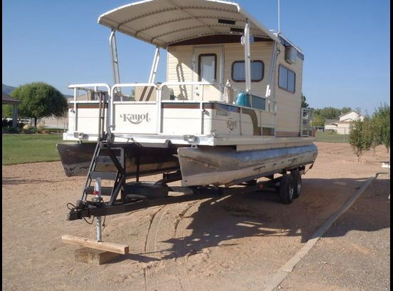 17 beste ideer om Pontoon Houseboats For Sale p Pinterest