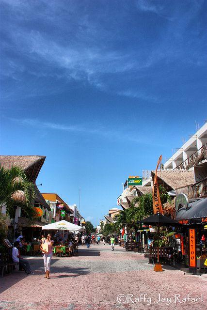 Playa Del Carmen 5th Ave by rjayrafael, via Flickr