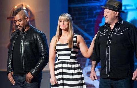 "Which of the final three cooks -- Rodney, Russell or Damaris -- won ""Food Network Star"" Season 9? The winner is named here."