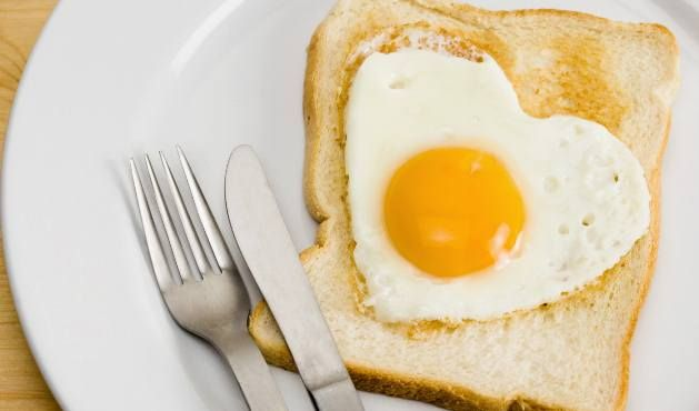 Conheça os alimentos que ajudam a ganhar massa muscular. Além das proteínas, outros nutrientes ajudam na construção dos músculos. Veja quais são eles.
