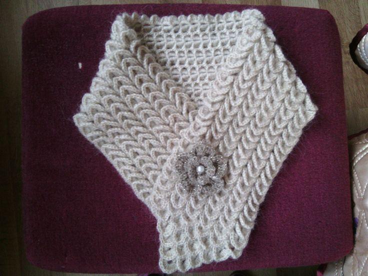 neck scarf crocodile stitch