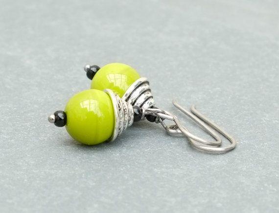 green earrings. green and silver earrings. by BijoubeadsLondon