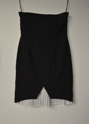 Kup mój przedmiot na #vintedpl http://www.vinted.pl/damska-odziez/krotkie-sukienki/16099609-nowa-czarna-sukienka-zara-tuba-z-elegancka-biala-pliska-rozm38