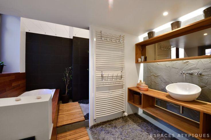 http://www.espaces-atypiques.com/lyon/annonce/loft-darchitecte-avec-terrasse-caluire-et-cuire-acheter-vendre/?utm_source=twitterfeed