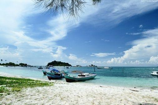 Pantai_Tanjung_Kelayang_1.jpg