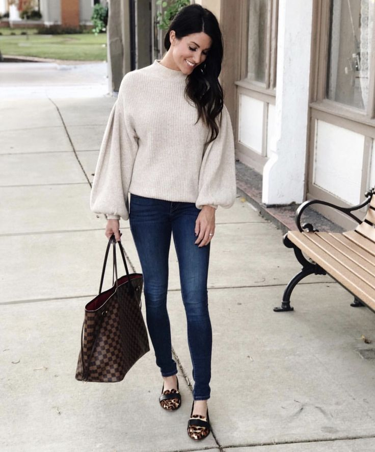 casual street style // balloon sleeve sweater, leopard loafers