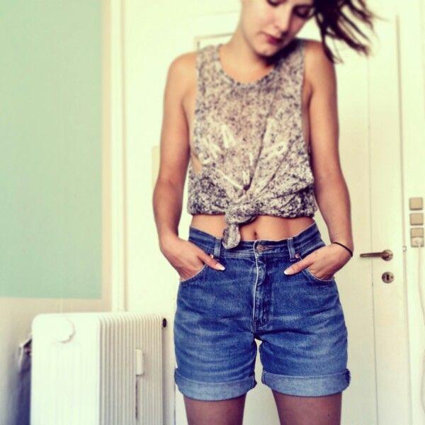Second hand DIY denim shorts // www.nkl-fashion.dk
