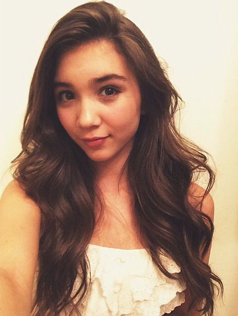 Fc Rowan Blanchard) hi I'm Zoe eaton and I am the daughter of tris and Tobias. I'm nerdy and geeky. I love crafts and Pinterest I love almost every type of music and YouTube. I forgot to mention before, I'm 15.
