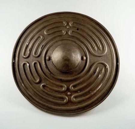 Shield, Celtic (Scotland), 950-750 BC. Photo: The National Museum of Scotland [ Swordnarmory.com ] #shields