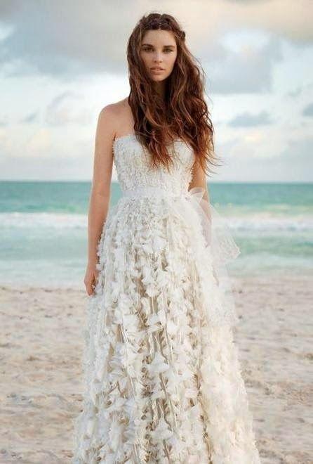 Abiti da sposa per un matrimonio in spiaggia