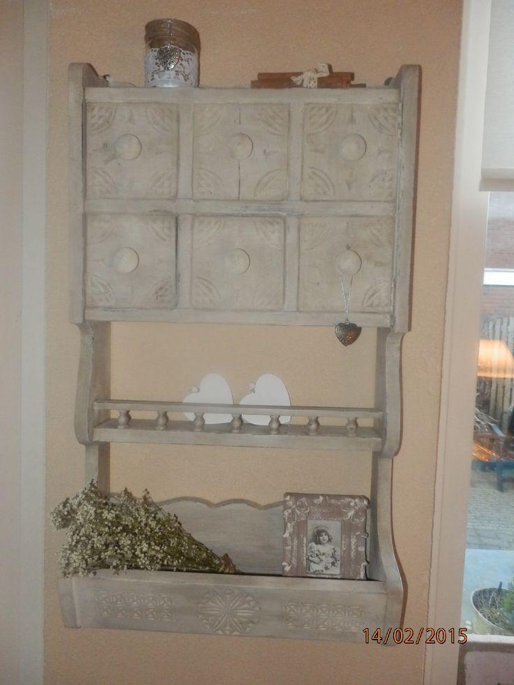 Eiken kastje geschilderd met Amazona krijtverf antiek wit en afgewerkt met Amazona leverwas