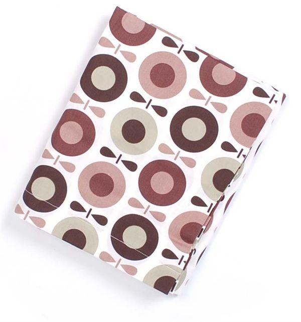 Køb Brun æble baby sengetøj fra katvig hos HoppeLoppe