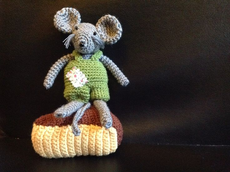 CHEESE AND MOUSE CROCHET BY CATERINA VECCHI