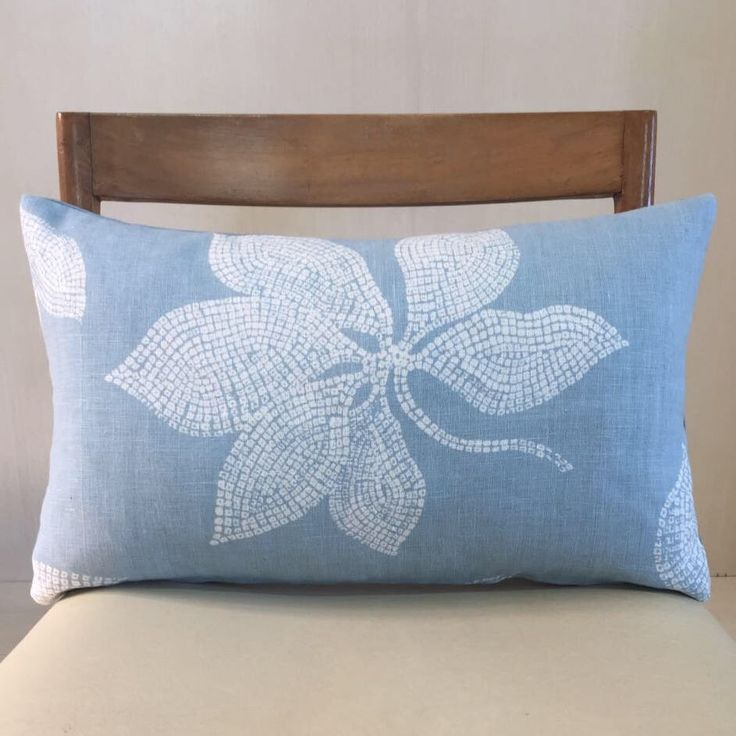 Un preferito personale dal mio negozio Etsy https://www.etsy.com/it/listing/526955689/flower-dusty-turquoise-flower-cushion