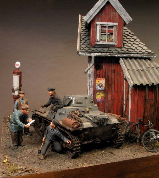 masterpiece by the wonderful diorama maker Per Olav Lund.  Check out the Diorama Supplies you can purchase at Treefrog Treasures Military Miniatures to add some of these details to your own Diorama!
