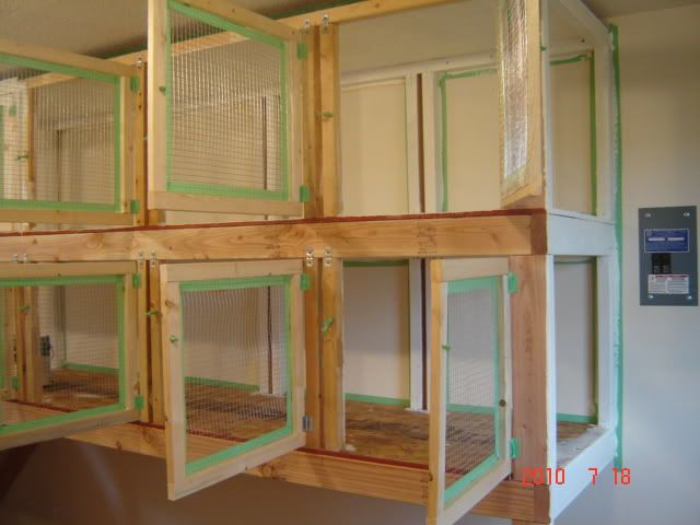 LOVE THIS!!!  gonna build this chicken show cages | http://img.photobucket.com/albums/v515/smoky73/Miscellaneous/71910008 ...