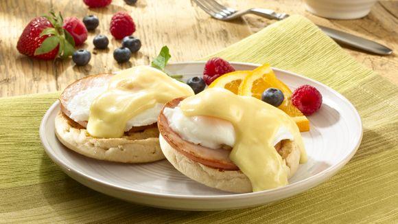 Eggs Benedict #putaneggonit