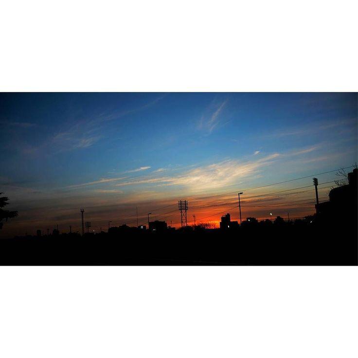 "On instagram by gabbyestefy55 #landscape #contratahotel (o) http://ift.tt/1V39IfS""Abrazame fuerte  y no te vayas nunca no me dejes sola."" #Argentina #BuenosAires #paisajes #nikon #nikon_photography #intapic #instangood #vcmcam #vcam #nikonphotography #nikontop #paisajes #fotodeldia #photos #photooftheday #streetphotography #geography #traveling #fotografo #life #atardecer #cielo #sol  #fotografia #photo #photographer"