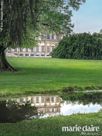 Gli arredi si spostano in giardino (quello della reggia di Monza) in onore di Monet: una location bucolica per letti, separé, poltrone, mobili bar, accessori e tessuti esclusivi.