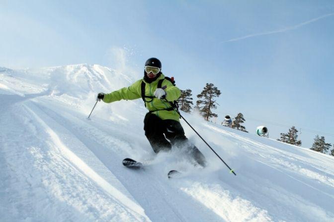 NORGE: Efter nogle dage med kulde er den første sne ved at indfinde sig i de norske fjelde, dog ikke i store mængder, men det indikerer, at skisæsonen nærmer sig med hastige skridt. #ski #skiferie #Norge #rejser #skirejser