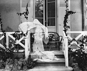 幽霊になったジスー、ヴィラ・マロニエにて、シャテル=ギヨン
