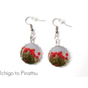 Earrings : http://ichigotopinattsu-shop.com/fr/boucles-d-oreilles-en-resine/74-boucles-hypoallergeniques-resine-nature-coquelicots-d-en-haut.html