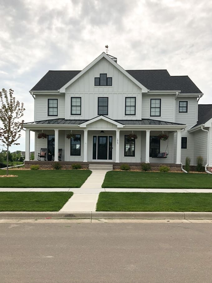 Modern Home Trends I M Loving House Exterior Farmhouse Exterior Modern House Exterior