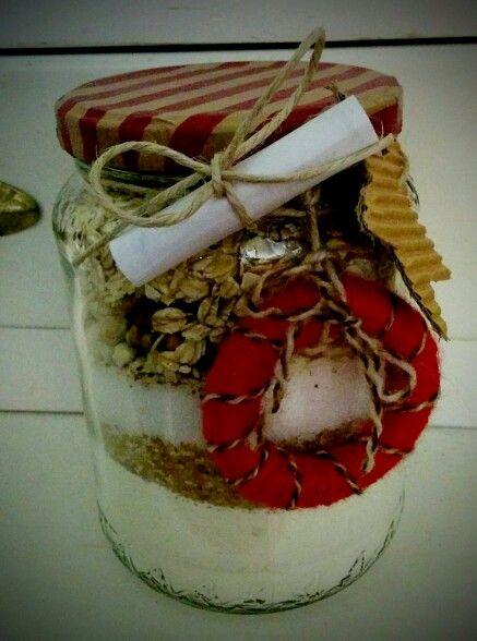 Preparato per biscotti avena mandorle e noci con decorazioni natalizie
