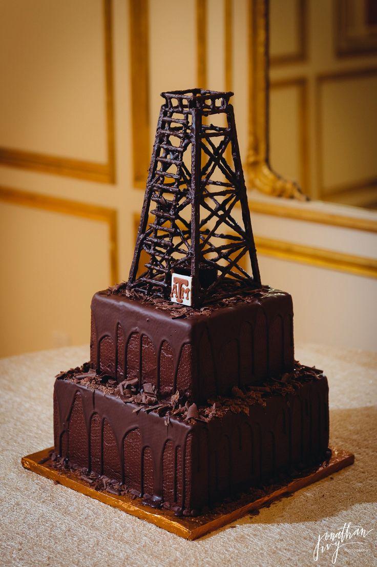 Chocolate Oil Derrick Grooms cake #grooms #cake #oil #derrick