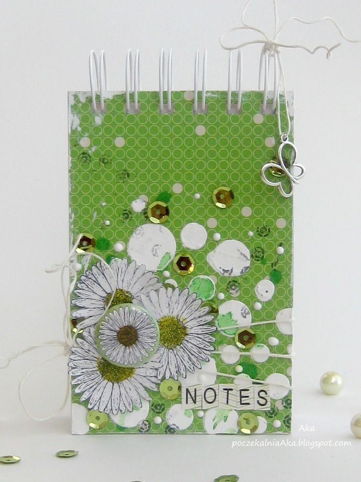 Aka using 3rd Eye flowery stamps and flair button! ♥ 3rdeyecraft.com/... #stamps #daisy #flair button #notebook