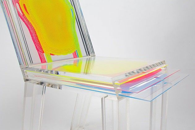 La designer Sohyun Yun, originaire de Corée du Sud, a fait ses études à New York et à Istanbul. S'inspirant des calques Photoshop (layers), elle a imaginé et finalisé cette chaise colorée du même nom.  En effet, Layer est une chaise en acrylique transparent qui peut être facilement customisée en y insérant dans l'assise et le dossier des plaques imprimées à motifs. Vous pouvez également superposer ces plaques pour créer des effets visuels originaux tout en jouant sur les transparences...