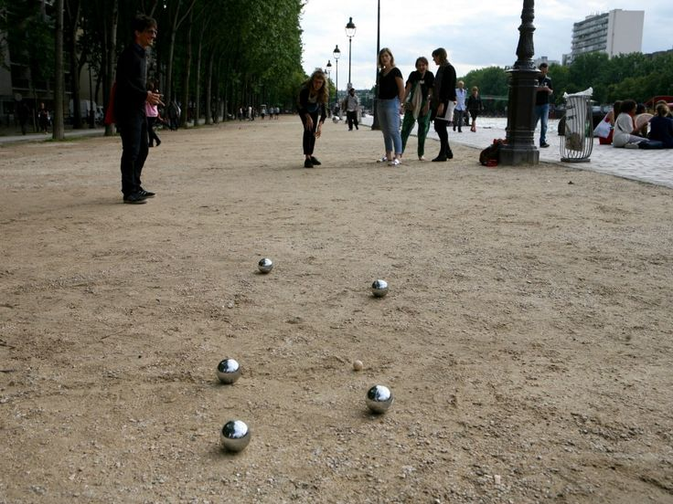 pentaque balls on the ground