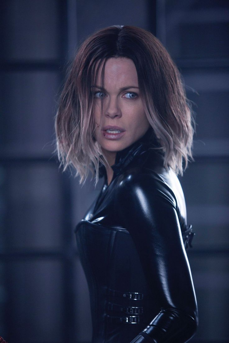 Official large shot of Selene (Kate Bekinsale) from Underworld: Blood Wars