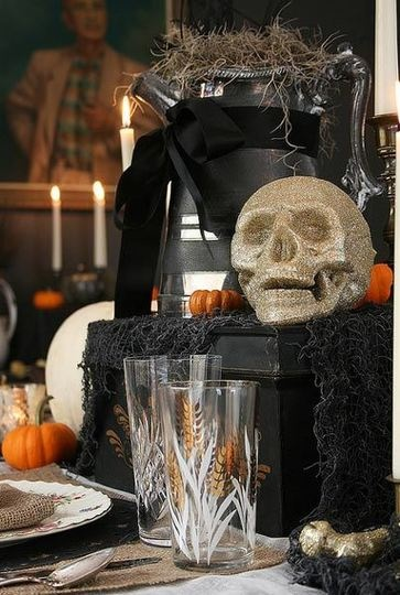 evita smiths sophisticated spooky decor - Sophisticated Halloween Decorations