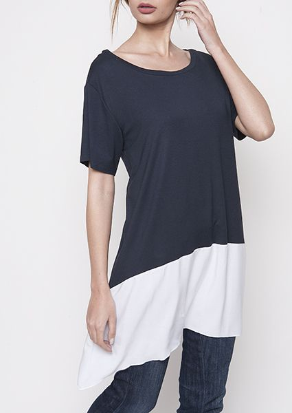 Shirt in a comfortable bar ideal for large sizes tipped sideways