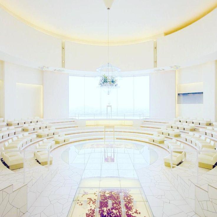 四国NO.1の結婚式場THE CHELSEAへ THE CHELSEAの住田社長は17年来の友人で尊敬する経営者です 久しぶりのTHE CHELSEAはさらにパワーアップしてさらに素敵に格好よくなっていました 圧倒的に素敵な会場と素晴らしいサービスそして自由で楽しい大人のご結婚式をお考えの方はとてもおすすめです #結婚式場 #チェルシー #四国NO.1 #圧倒的に格好いい
