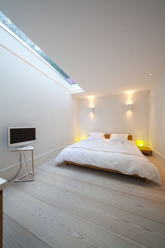 Basement Bedroom : Scandinavian style bedroom by Gullaksen Architects. https://www.homify.co.uk/ideabooks/28458/5-homes-that-maximise-natural-light