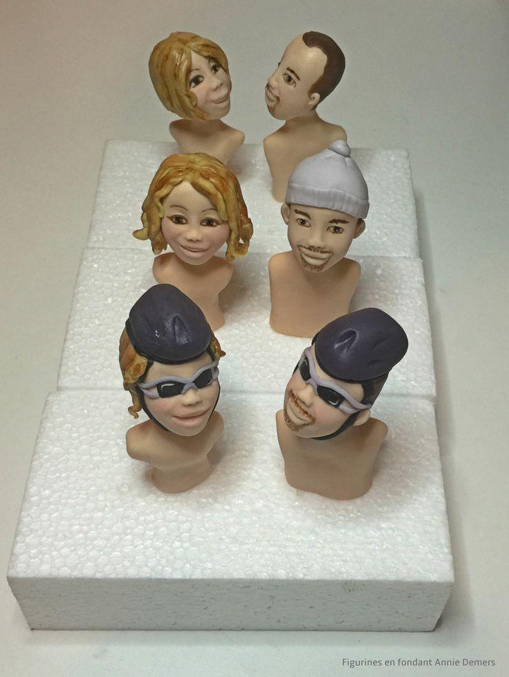 weeding cake topper custom figurines de mariage personnalisées le couple en vélo a la montagne et au parc https://www.facebook.com/figurinesanniedemers