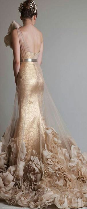 Deaigned by Krikor Jabotian www.fashion.net