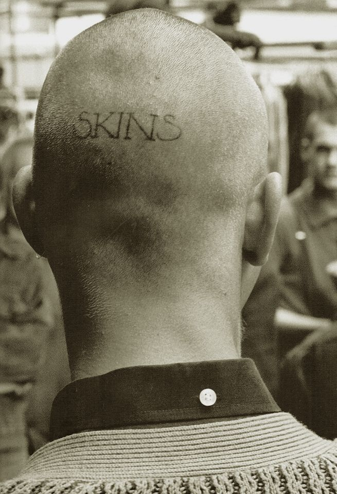 The Last Resort in Goulston Street, Aldgate 1981 ( The Skinheads 1979 - 1984 Book by Derek Ridgers )