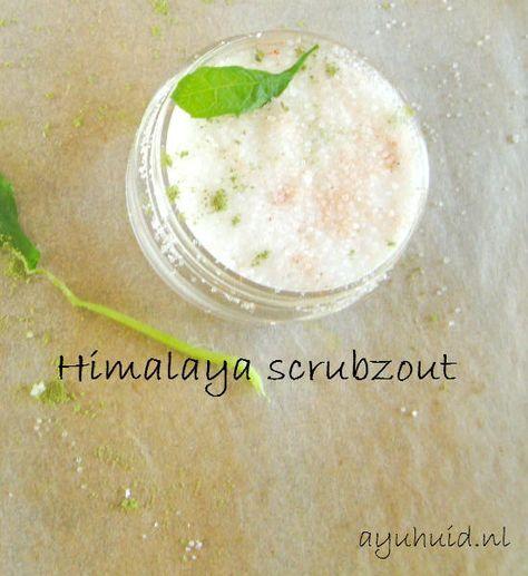Een zelfgemaakte Himalaya scrubzout is een perfecte oplossing voor acne en puistjes. Zout werkt ontsmettend en is daardoor goed voor de onzuivere huid.