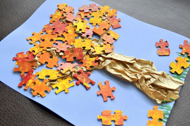 Fall Puzzle Trees--Here's a crafty way to repurpose puzzles that are missing a few pieces. (via @I Heart Crafty Things)