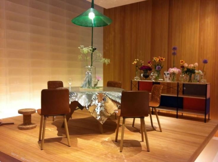 Il padiglione Vitra al Salone del Mobile 2012 - Le sedie Hal Vitra