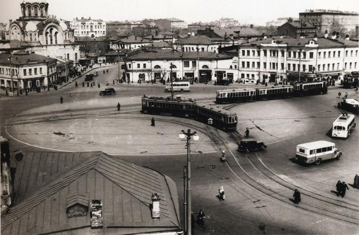"""Всем хорошего вечера✨✨✨ и """"угадай-ка"""". Фото Москвы 1931-года какая это площадь?"""