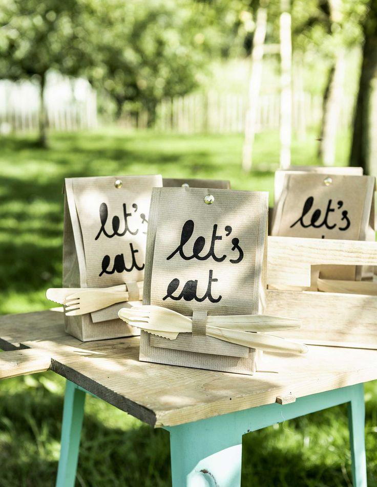 DIY: Snackzakje met bestel | DIY: snack bag with cutlery  | vtwonen 05-2016 | photography: Sjoerd Eickmans | styling: Gieke van Lon & Lotte Dekker