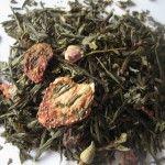 Pyszna herbata zielona z truskawkami