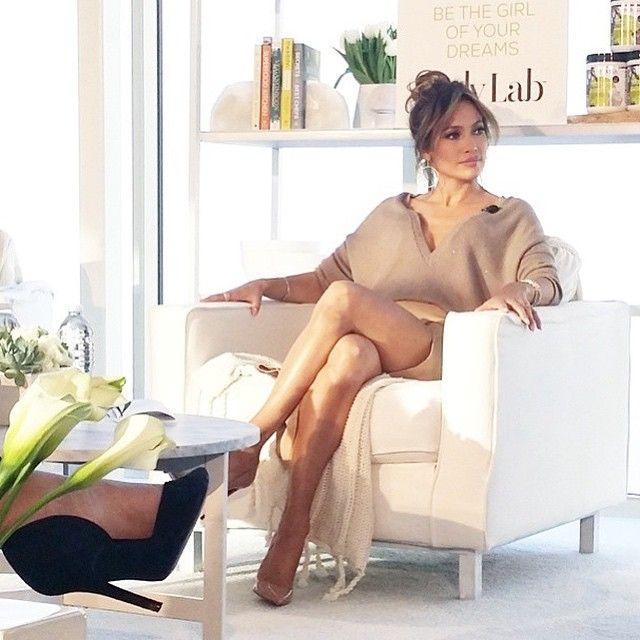 Kup sweter w stylu Jennifer Lopez! Wiemy, gdzie go znaleźć - KimKim.pl