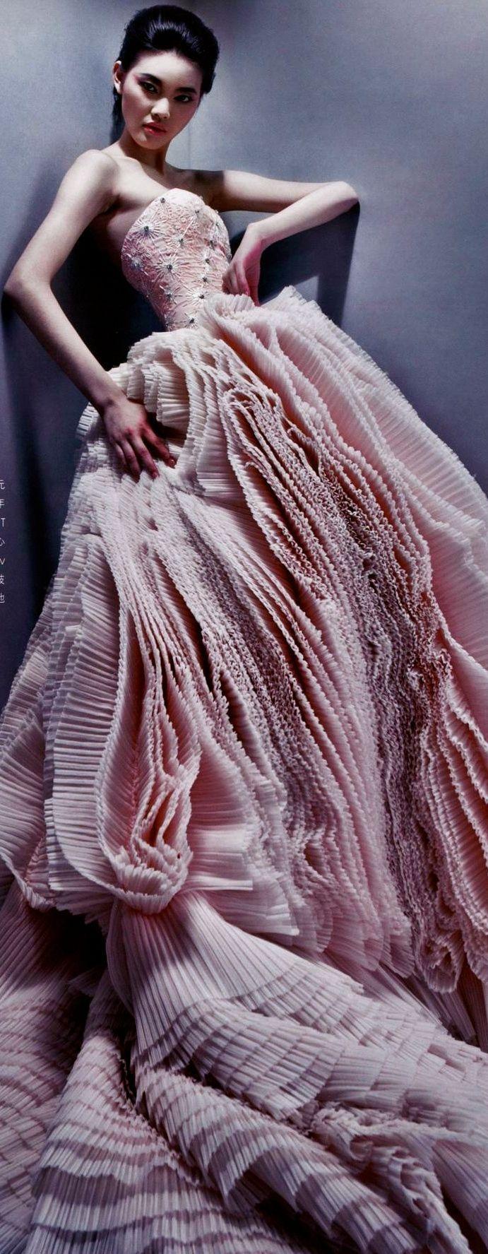 79 best Vestidos de novia images on Pinterest   Bridal gowns, Brides ...