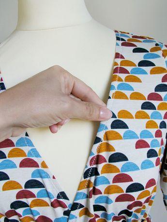 Escote estabilizado con elástico transparente | Betsy Costura