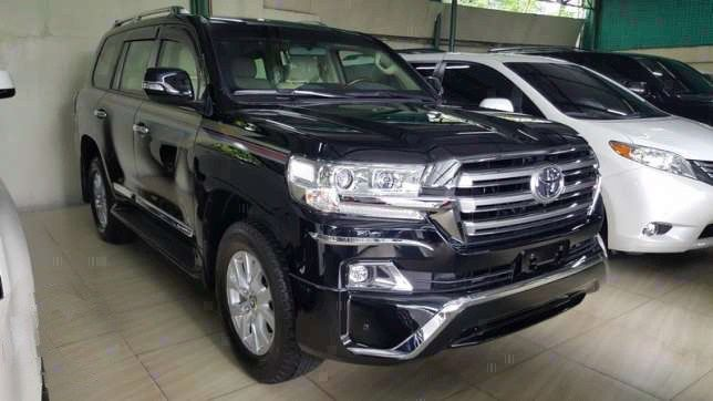 INKAS Armor Brand New Unit 2017 Toyota Land Cruiser BULLET PROOF New Look 4 Cameras Power Seats Ready For Viewing Bank Finance OK for Serious Buyer Call 09175287233 for more info or click PHOTO for Price #inkas #bulletproof  #toyota #landcruiser #autotradephils  Please LIKE and SHARE this Bullet Proof Vehicle For Sale .. Thank You